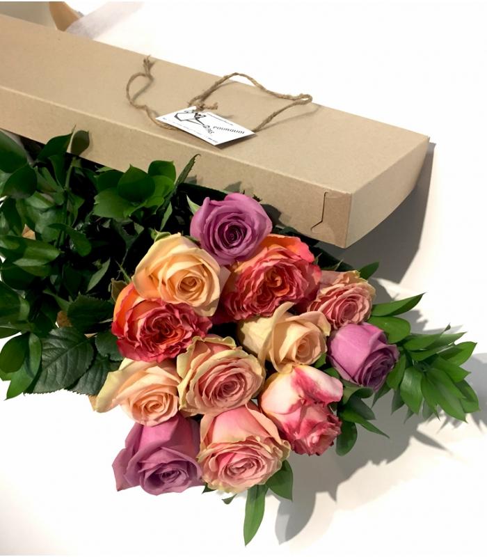 roses couleur saint valentin bouquet de roses color es. Black Bedroom Furniture Sets. Home Design Ideas